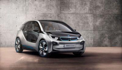 BMW i3 prezzi da 36.200 euro per l'elettrica compatta di BMW
