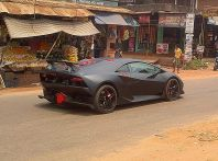 Lamborghini Sesto Elemento replica tarocca