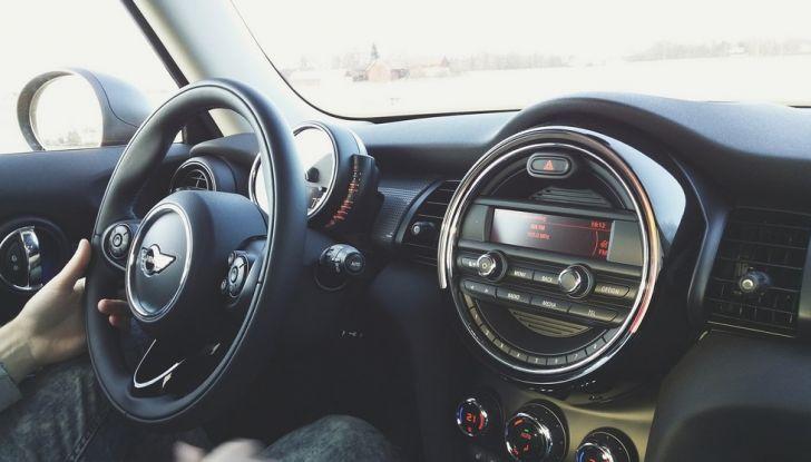 Riconoscere una buona auto usata: consigli e suggerimenti per l'acquisto - Foto 7 di 13