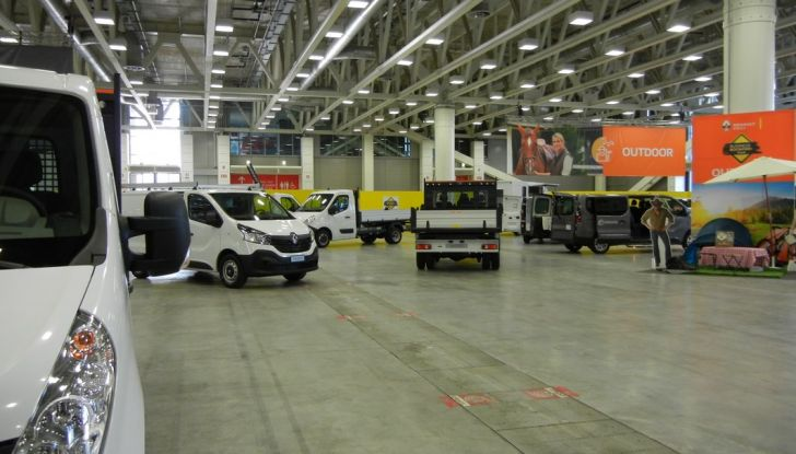 Renault lancia il Business Booster Tour 2016 - Foto 7 di 27