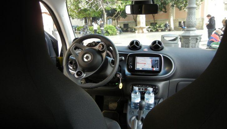 Nuova Smart Fortwo Cabrio: il nostro test drive - Foto 16 di 44