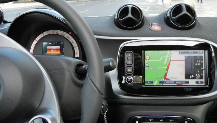 Nuova Smart Fortwo Cabrio: il nostro test drive - Foto 17 di 44