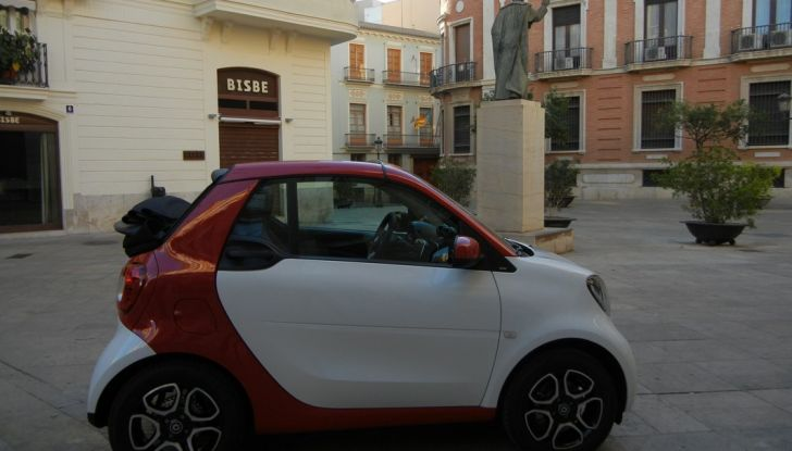 Nuova Smart Fortwo Cabrio: il nostro test drive - Foto 32 di 44