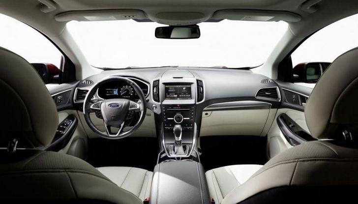 Nuova Ford Edge 2016, interni.
