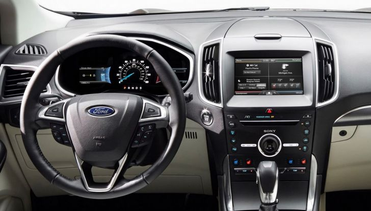 Nuova Ford Edge 2016, interno.