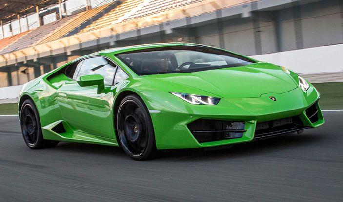 Dubai, noleggia una Lamborghini Huracán e prende 40 mila euro di multa in 3 ore - Foto 16 di 17