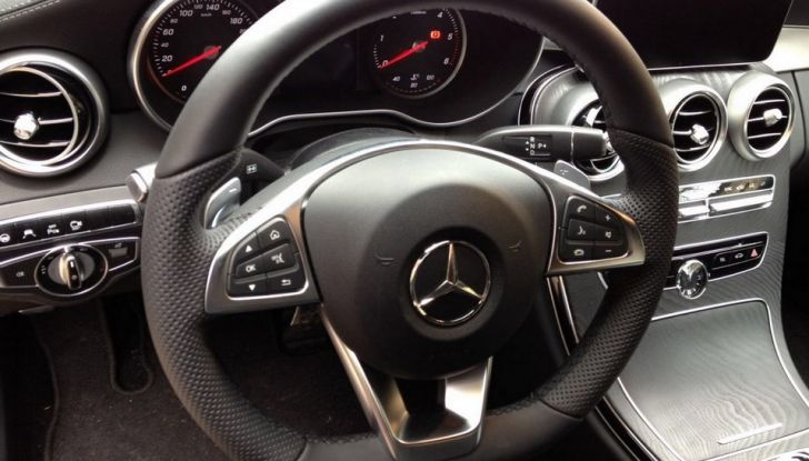 Mercedes Classe C Coupé, prova su strada e caratteristiche tecniche - Foto 6 di 10