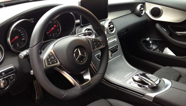 Mercedes Classe C Coupé, prova su strada e caratteristiche tecniche - Foto 7 di 10