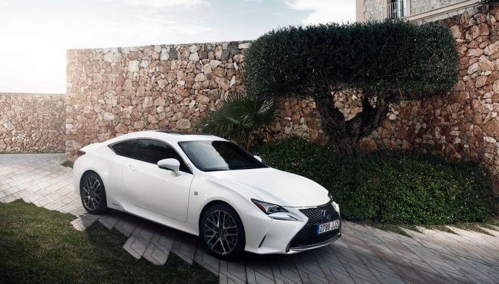 Lexus RC Hybrid pronta al lancio - Foto 1 di 12