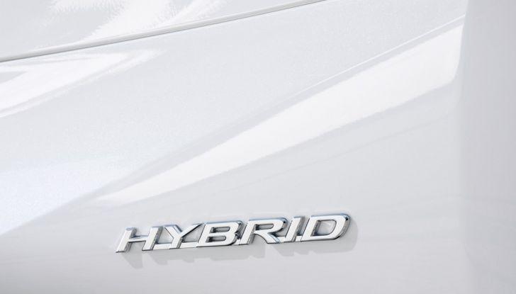 Lexus RC Hybrid pronta al lancio - Foto 8 di 12