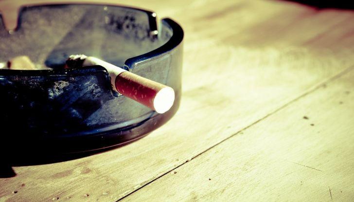 Stop al fumo in auto con minori e donne incinta - Foto 7 di 8