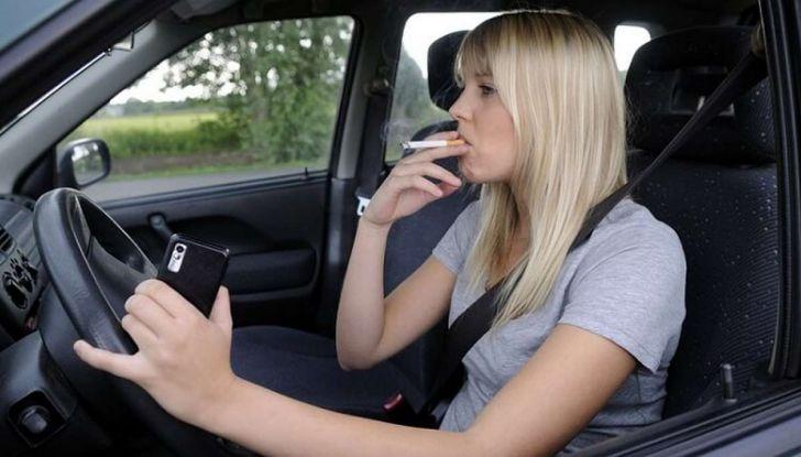 Stop al fumo in auto con minori e donne incinta - Foto 5 di 8