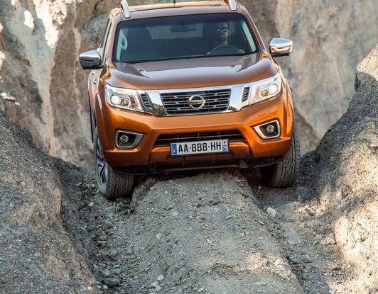 Nissan Navara: in vendita il Pick-Up Of The Year 2016 - Foto 7 di 18