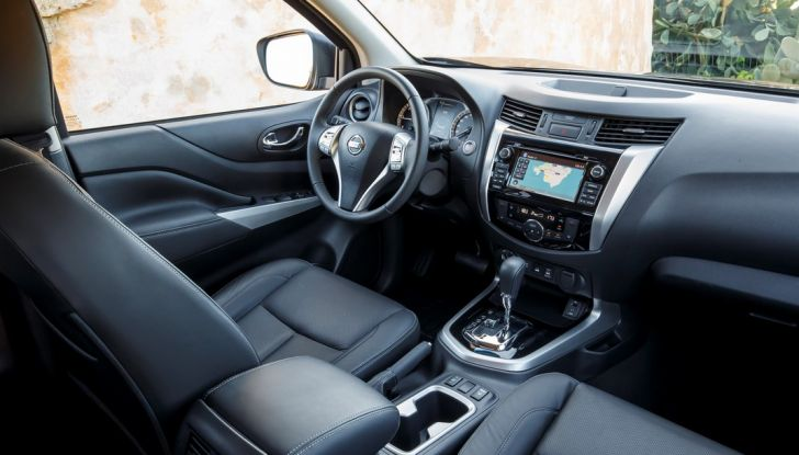 Nissan Navara: in vendita il Pick-Up Of The Year 2016 - Foto 16 di 18