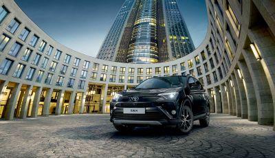 Toyota Hybrid: provale con Infomotori e vinci un weekend con un selfie!