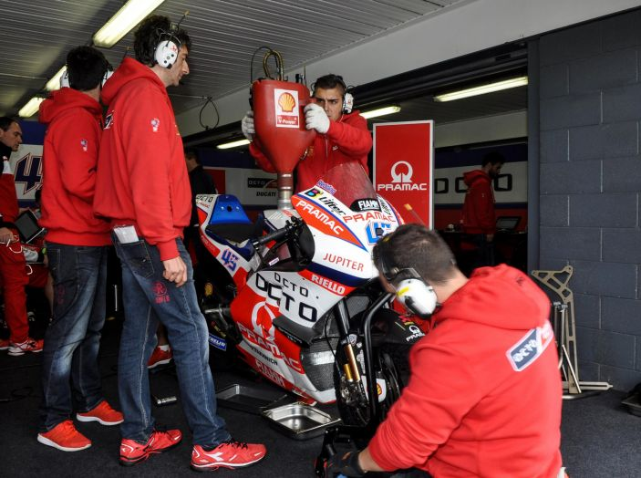 Test MotoGP a Phillip Island, Day3: Marquez mette tutti in fila, paura per Lorenzo - Foto 16 di 20
