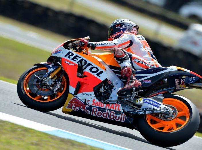 Test MotoGP a Phillip Island, Day3: Marquez mette tutti in fila, paura per Lorenzo - Foto 1 di 20
