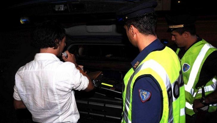 Pensionato veneto: fermato dalla polizia ubriaco, la moglie lo prende a schiaffi - Foto 3 di 6