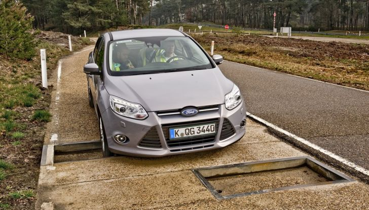 Centro Prove Ford di Lommel, la strada più accidentata del mondo! - Foto 7 di 11