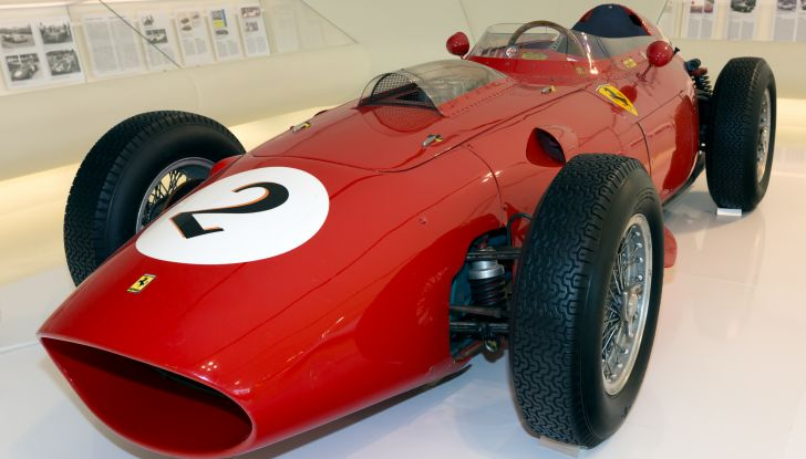 Ferrari 246 F1 frontale sinistro museo Enzo Ferrarii