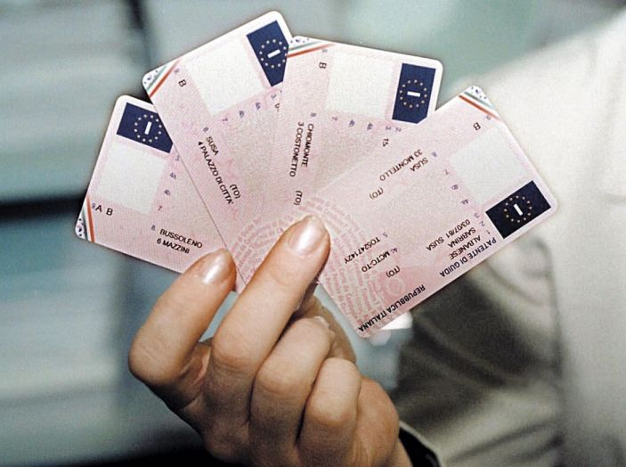 Costi e compilazione dei bollettini postali per il rinnovo della patente - Foto 1 di 11