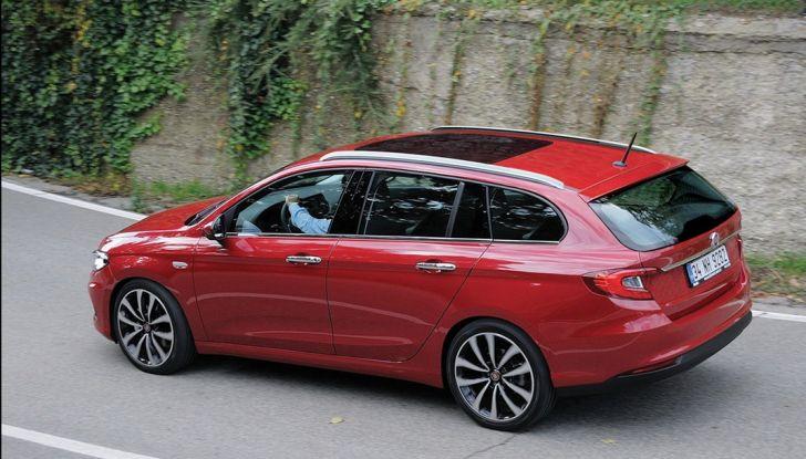 Fiat Tipo station wagon: la prima immagine - Foto 2 di 9