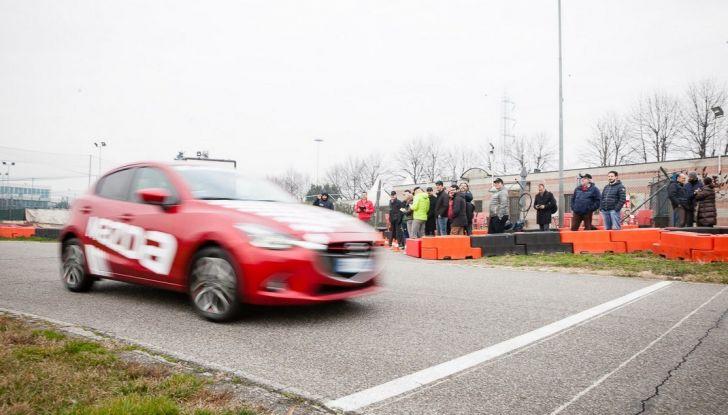 Mazda 2: la piccola ammiraglia che non rinuncia a nulla - Foto 10 di 32