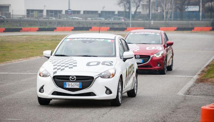 Mazda 2: la piccola ammiraglia che non rinuncia a nulla - Foto 12 di 32