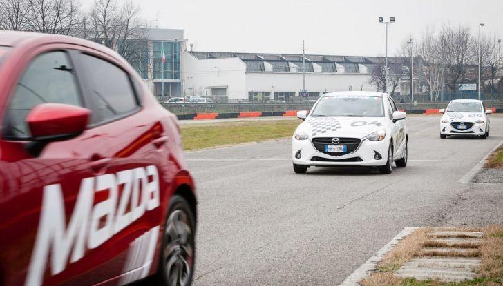 Mazda 2: la piccola ammiraglia che non rinuncia a nulla - Foto 23 di 32