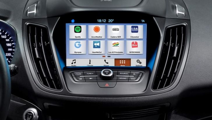 Nuova Ford Kuga, Ford SYNC 3, connettività a comandi vocali.