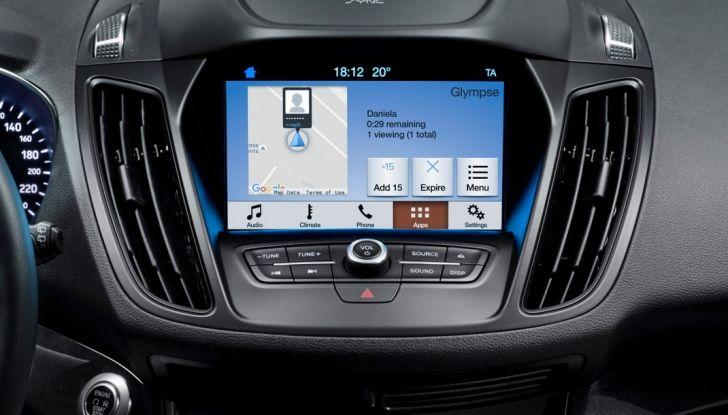Nuova Ford Kuga, schermo touchsceen la nuova connettività a comando vocale.