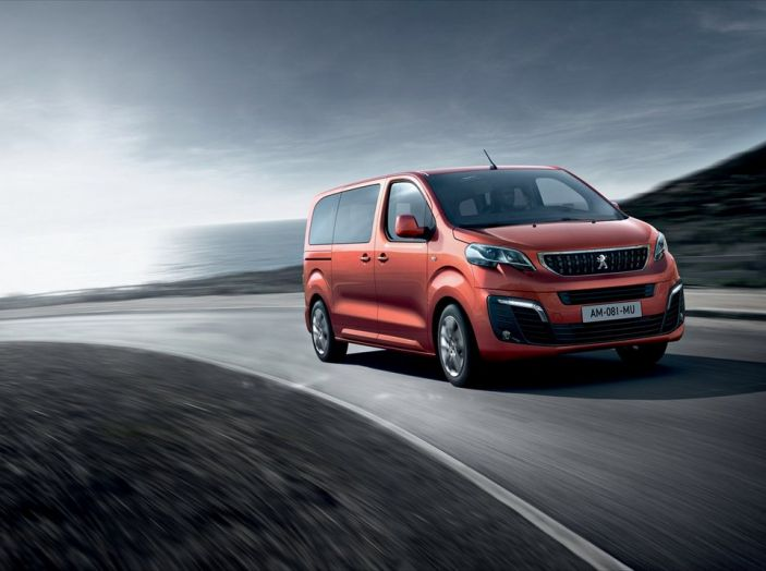 Nuovi Peugeot Traveller e Traveller i-Lab 3.0