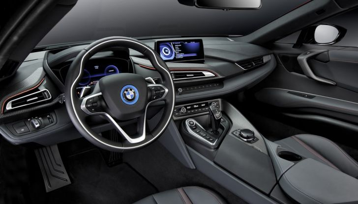 BMW i8 Protonic Red Edition interno