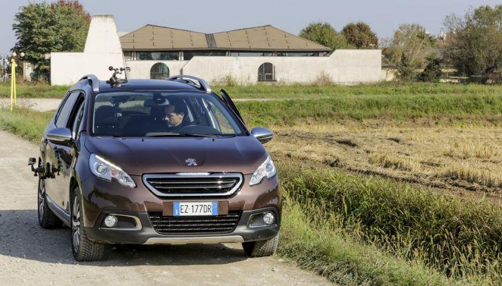 Peugeot presenta Best Technology Experience: video a realtà virtuale per i  test drive - Foto 10 di 10