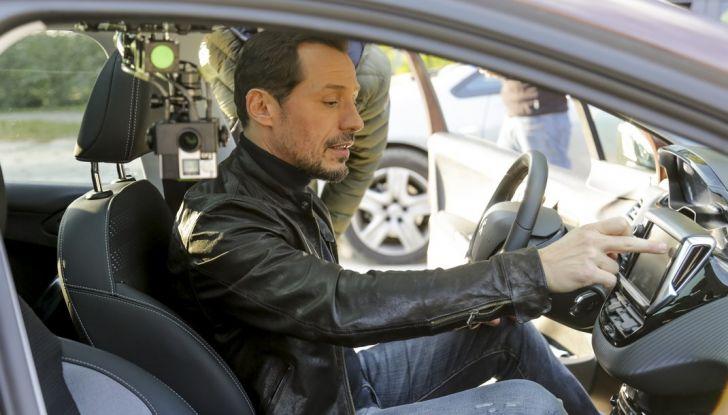 Peugeot presenta Best Technology Experience: video a realtà virtuale per i  test drive - Foto 7 di 10