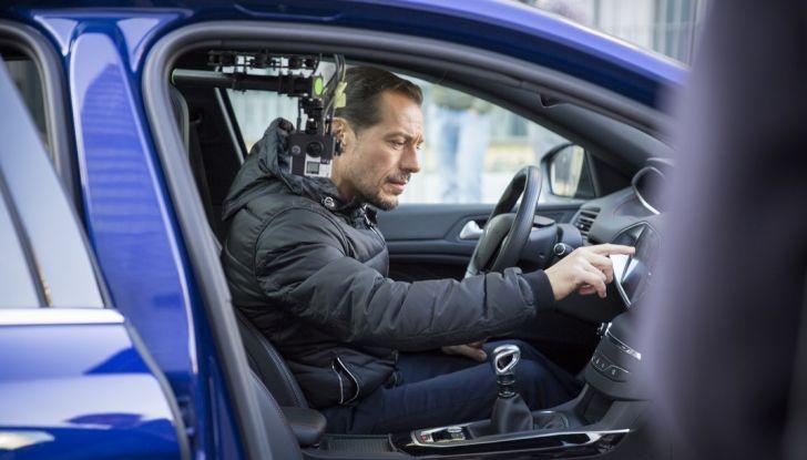 Peugeot presenta Best Technology Experience: video a realtà virtuale per i  test drive - Foto 9 di 10