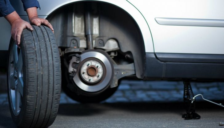 Come mantenere gli pneumatici in perfetta efficienza - Foto 2 di 10