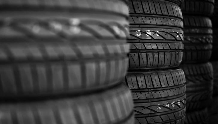 Come mantenere gli pneumatici in perfetta efficienza - Foto 5 di 10
