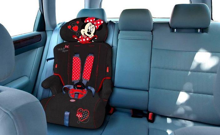Bambini in auto: i seggiolini anti abbandono saranno obbligatori dal 2019 - Foto 11 di 12