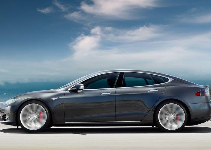 Supercharger Tesla, no all'utilizzo commerciale - Foto 10 di 10