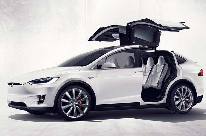 Stazioni Tesla Superchargers: la ricarica è di nuovo gratuita - Foto 9 di 10