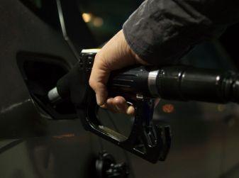 Consumi di benzina e gasolio: +0,9% SUL 2014; -19,1% SUL 2007