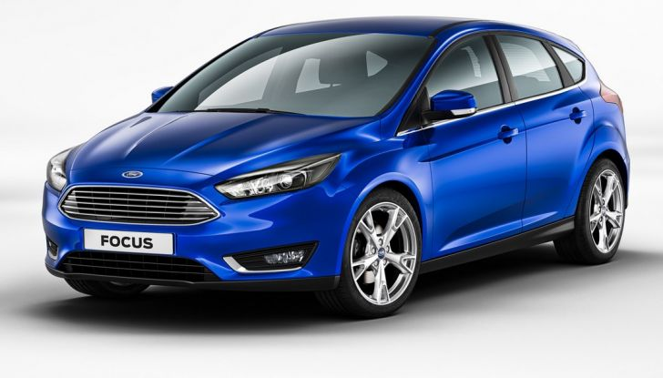 Ford Focus 2015 hatchback, vista frontale, auto per neopatentati.
