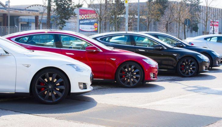Tesla Revolution 2018: le elettriche di Musk riunite a Torino - Foto 1 di 30