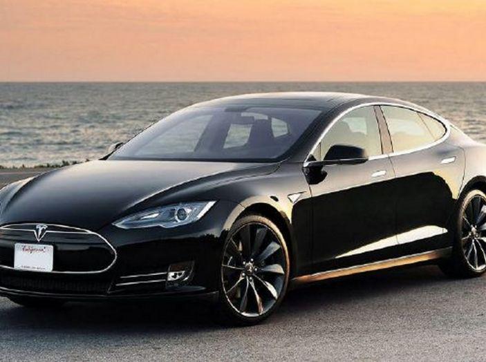 Tesla compra tutte le batterie per le sue auto elettriche e i rivali restano a secco! - Foto 6 di 12