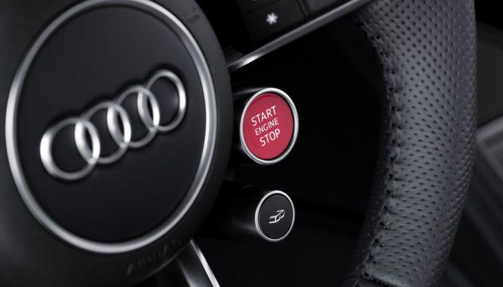 Audi R8 V10 plus start engine stop