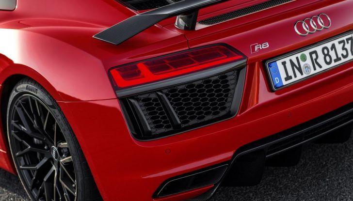 Audi R8 V10 plus dettaglio fanale