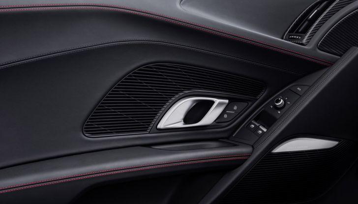 Audi R8 V10 plus portiera