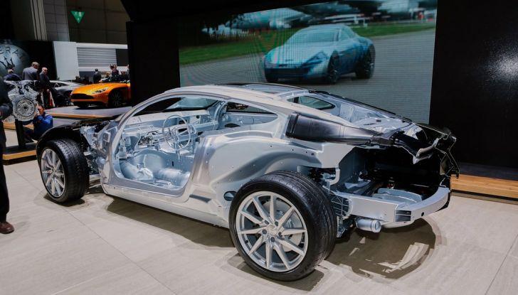 Aston Martin DB11 al Salone di Ginevra - Foto 18 di 30