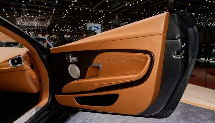 Aston Martin DB11 al Salone di Ginevra - Foto 22 di 30